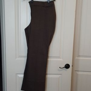 Brown pinstriped pants for the curvy girl